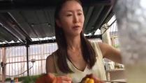 ママ活リアル映像。 高級住宅街に住む社長夫人美熟女。